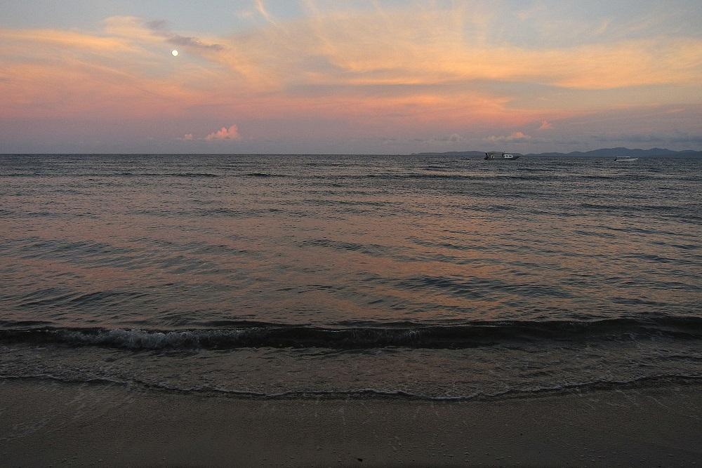 08 Mildes Abendlicht am Strand des Pulisan Resorts