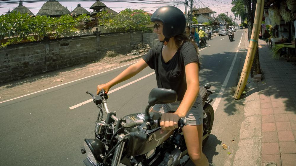 10_Onthestreet_Motorrad-Custombike-Bali.jpg