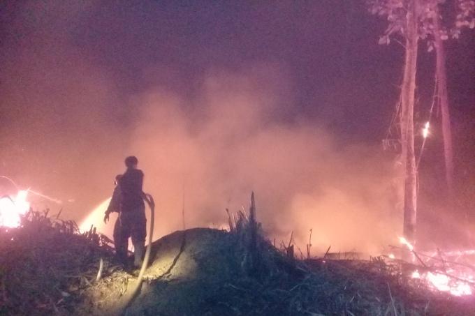 19-09-17-nabu-waldbrand-indonesien-2019-l__scharbeiten_c_forestprotection_team_hutan_harapan_680x453px