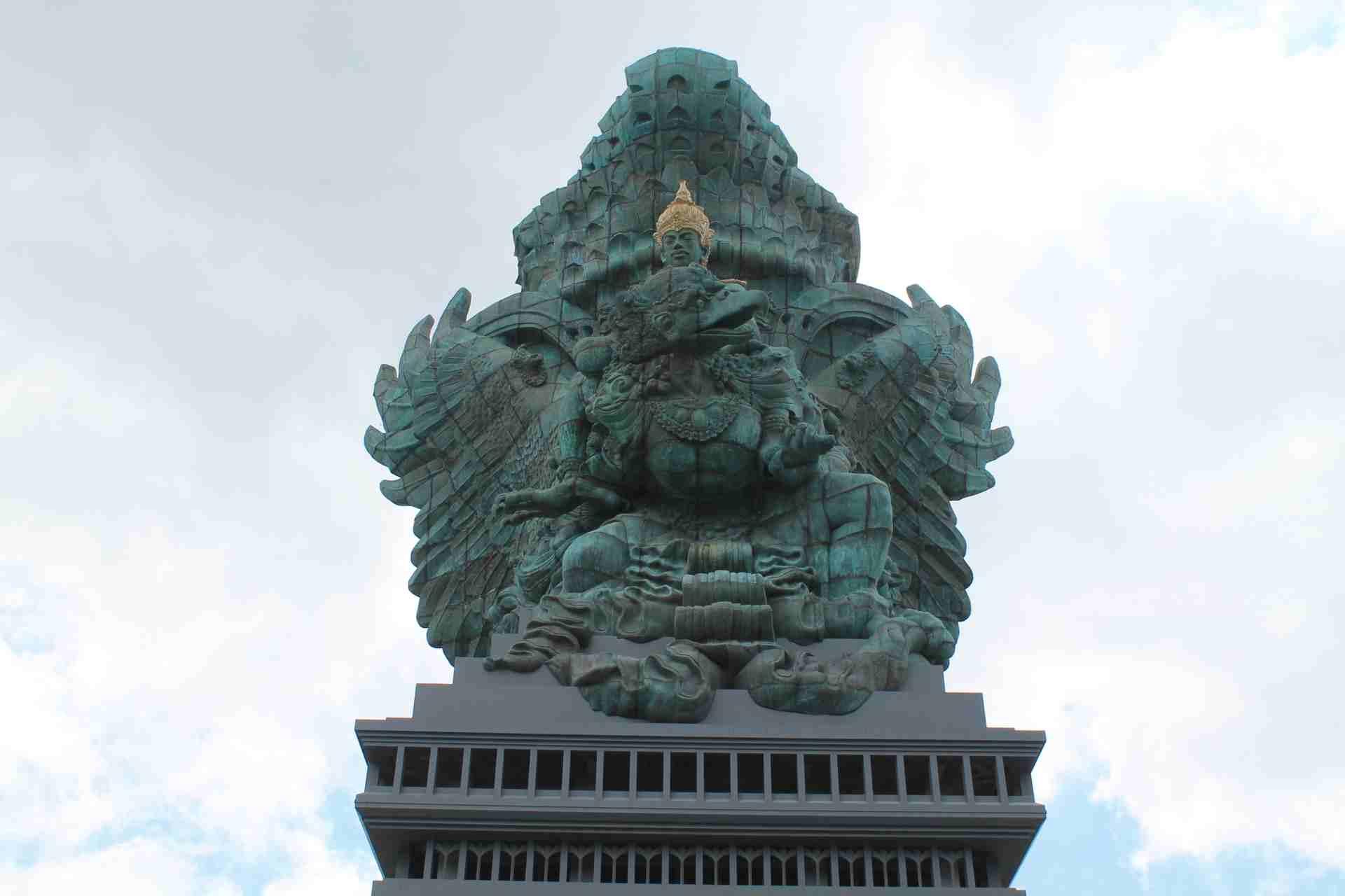 2-garuda-wisnu-kencana-kutlurpark-bali-statue