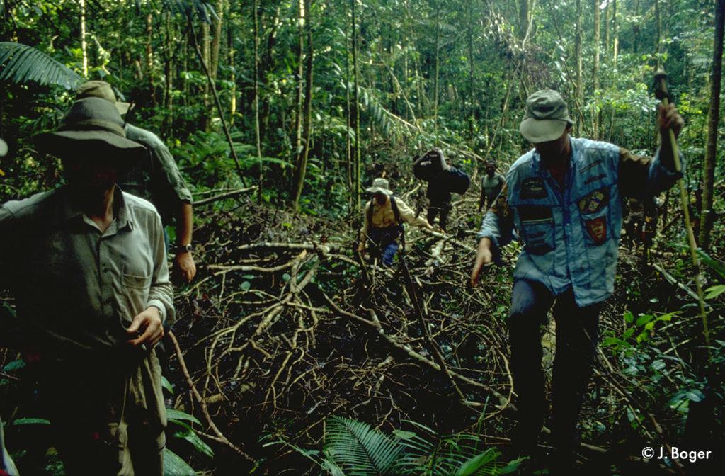 Tekking_2_Asmat_Papua