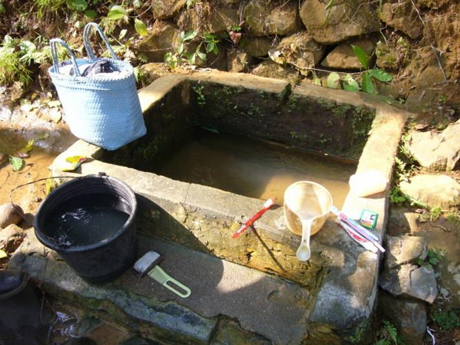 zu Frage 5 - Wasserprojekt Binangun - Waschstelle vorher_k