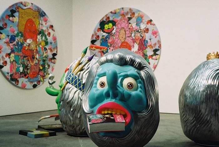 Arbeiten des in Yogya lebenden Künstlers Hahan auf der art berlin contemporary 2013, Arndt Gallery