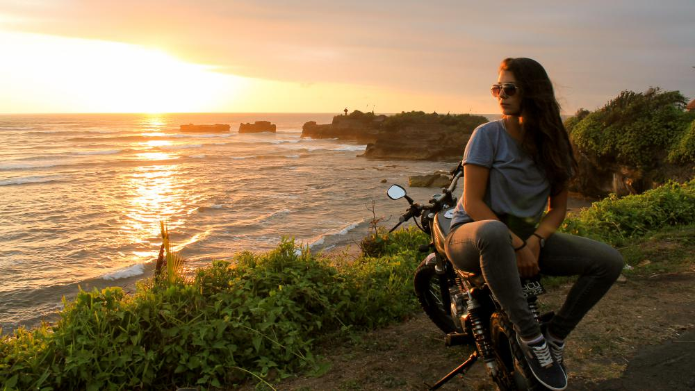 3_Tempelbesuch_Motorrad-Bali