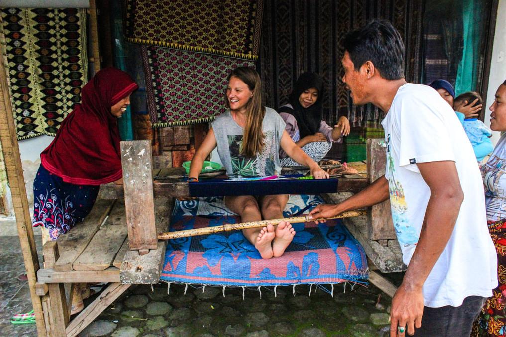 4 Wochen Indonesien Rundreise - Webkunst Sasak