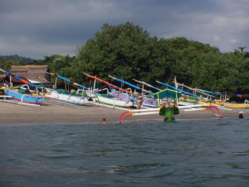 De Quake - am Strand von Senggigi Bay
