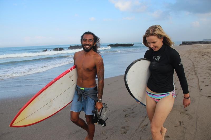 Ady mit Surfschülerin