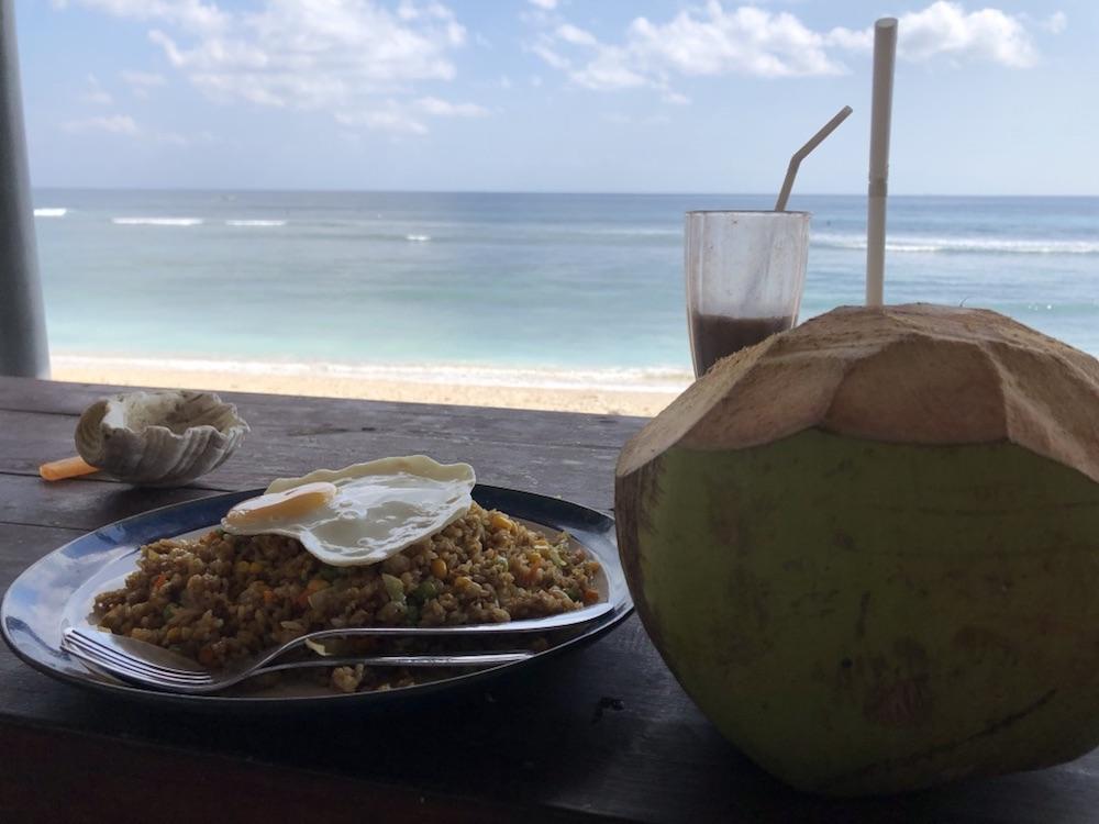 Bali Lombok Aussicht vom Warung auf Desert Point