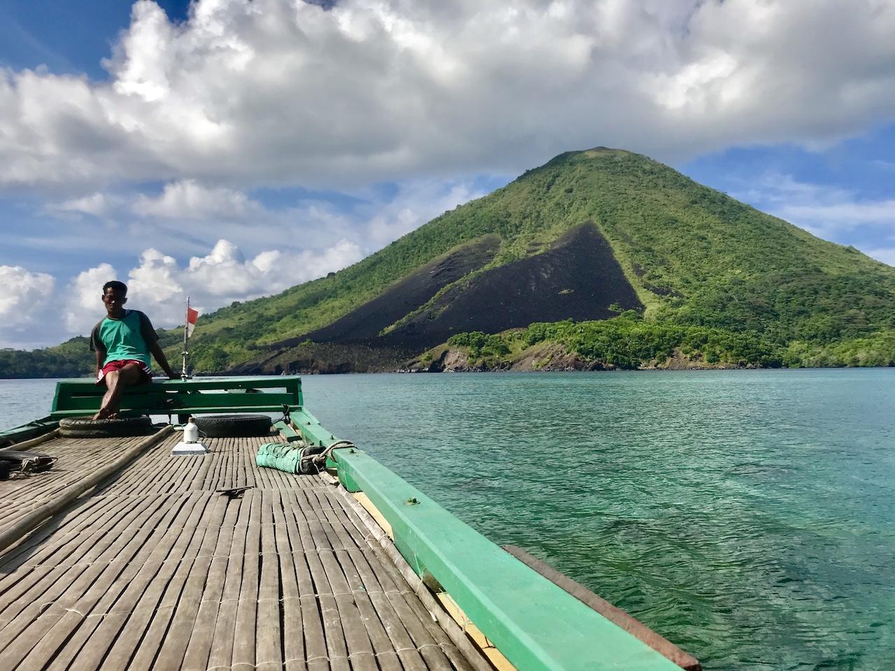 Banda-Inseln-Banda-Neira-Ausflug Vulkan