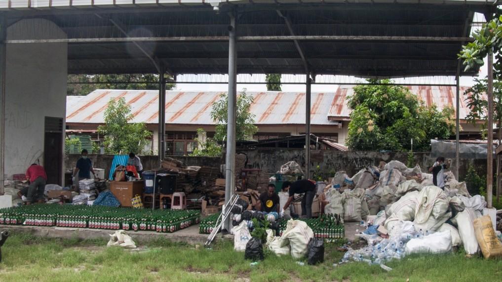 Bank Sampah Flores 8