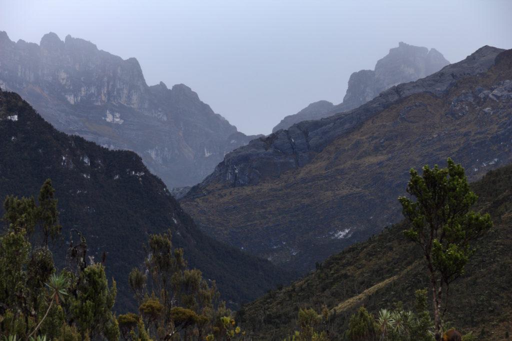 Berg-Papua-Carsten-Pyramide-1