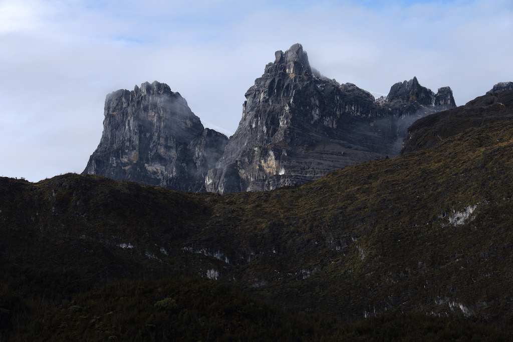 Berg-Papua-Carsten-Pyramide-2