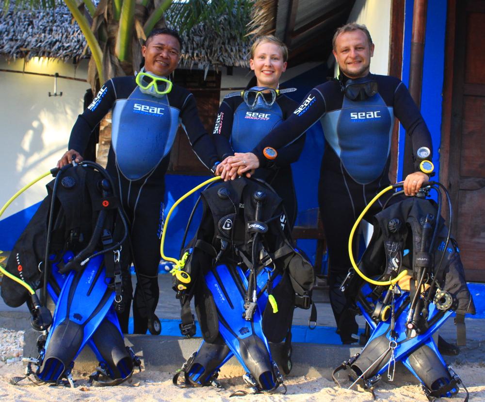 Dolfye_Carolin_Steve_Sea_Souls_Dive_Resort_Team