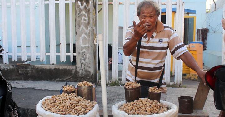 Erdnussverkäufer