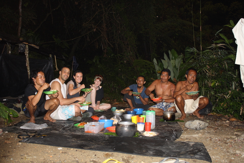 Essen im Dschungel Sumatra