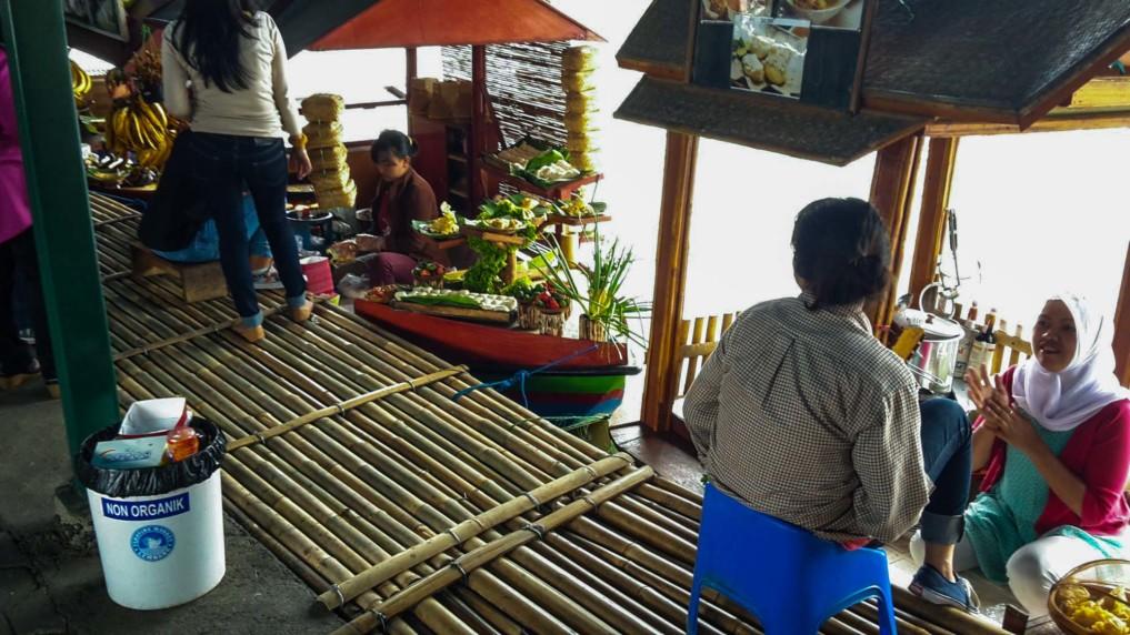 Restaurant Bandung Floating Market Lembang Bandung