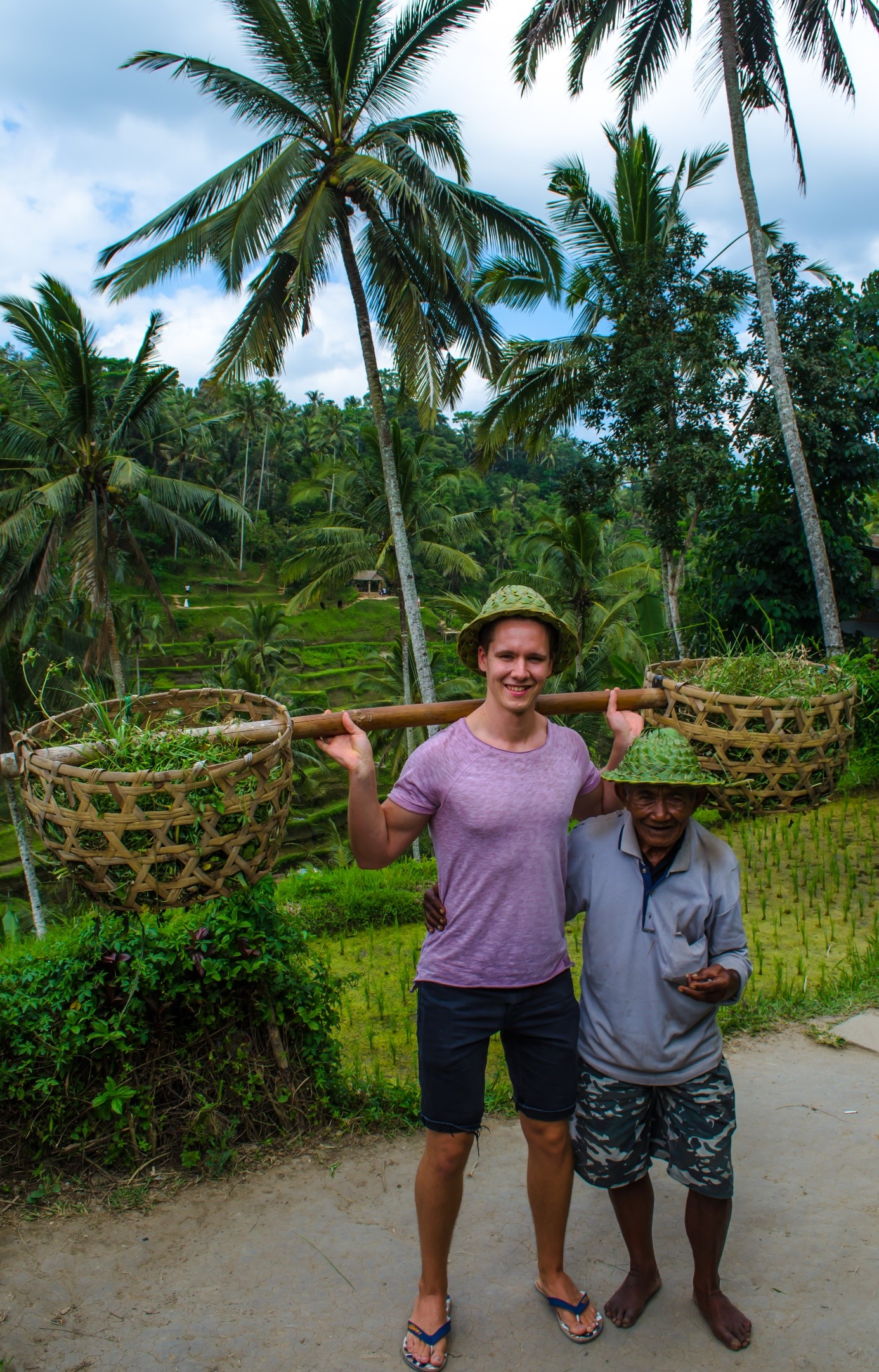 Für das Foto mit dem Reisbauern musste ich natürlich auch ein paar Cent zahlen