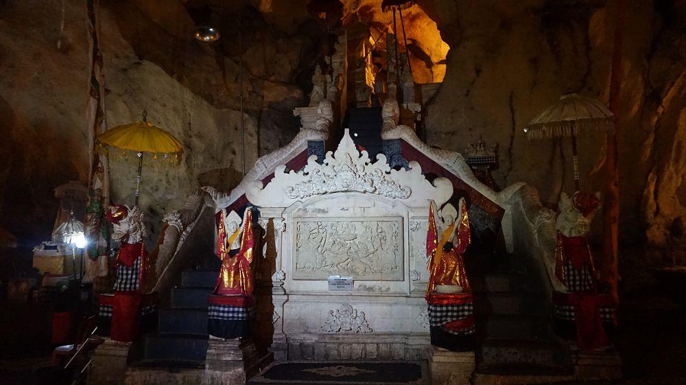 Goa Giri Putri Cave Nusa Penida