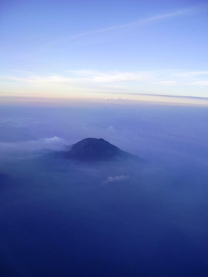 Gunung Agung Bali Bea Nippe