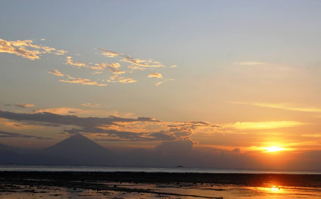 Gunung Agung fotografiert beim Sunset auf Gili T Matthias Hüttlin