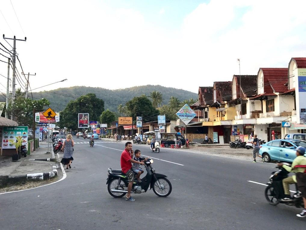 Hauptstrasse Senggigi Lombok