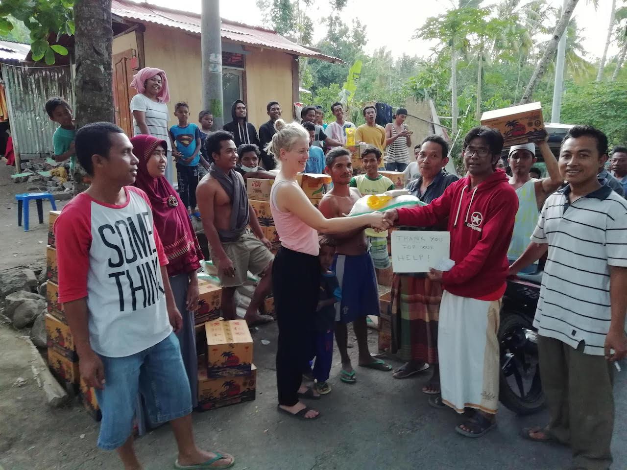 Hilfslieferung an die Bewohner von Rangsot