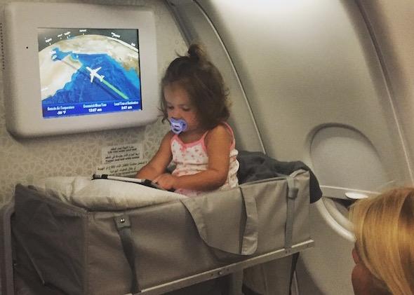 Fliegen mit Kindern Indonesien