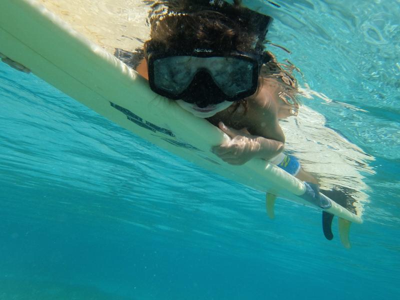 mit-kindern-nach-indonesien-surfen
