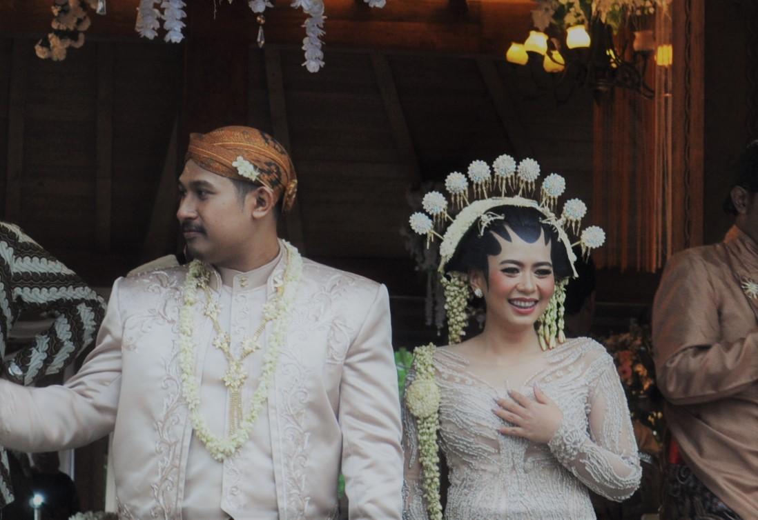 Java-Hochzeit-Braeutigam