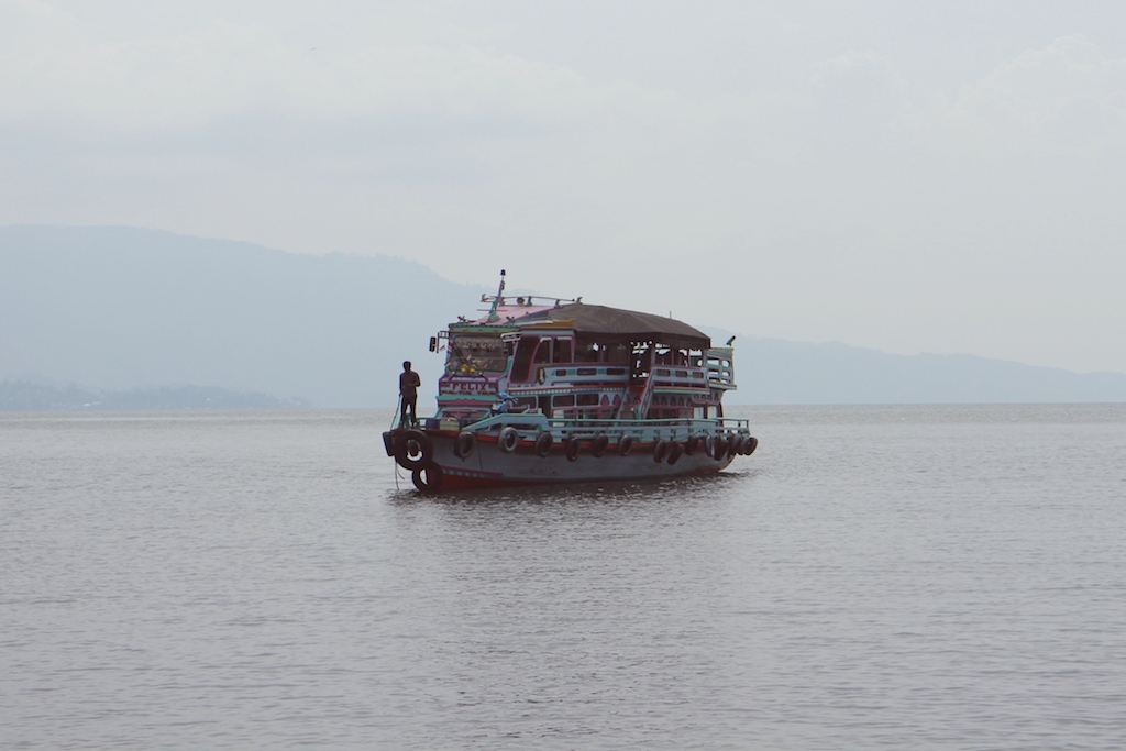 Lake Toba Faehre
