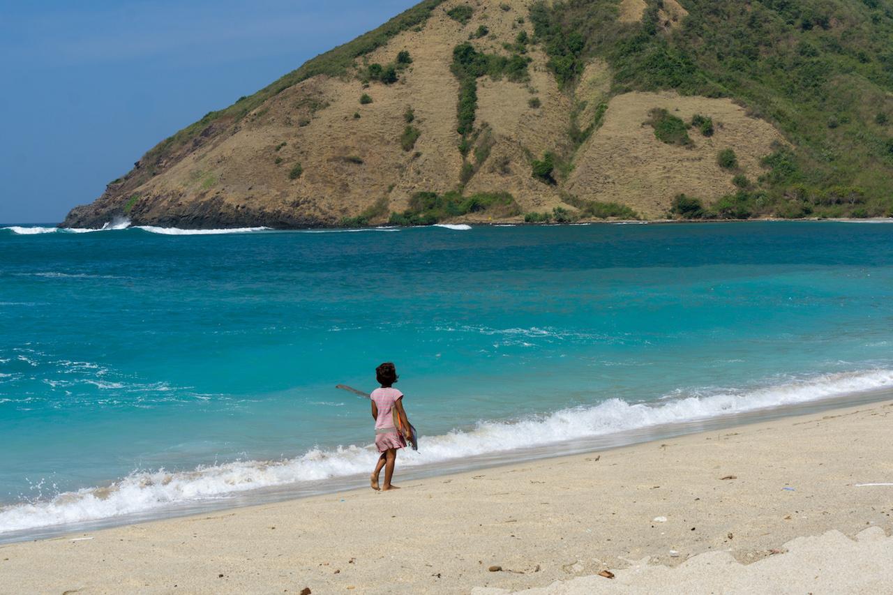Lombok Mädchen am Mawun Beach