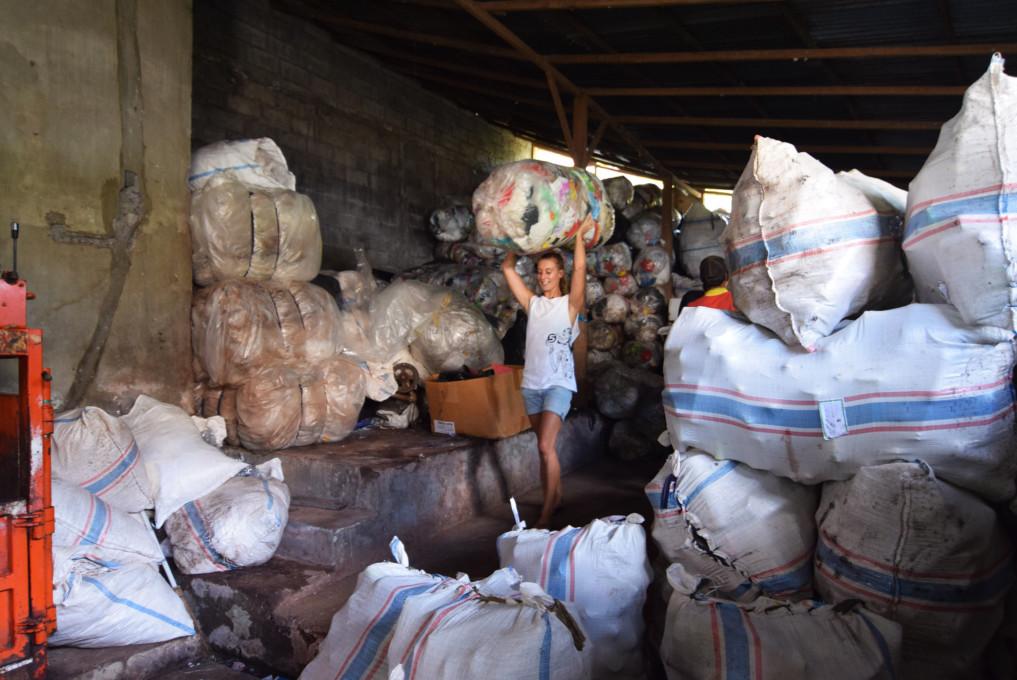 Luise im Mülllager