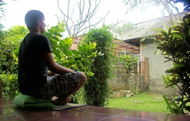 Florian bei seiner täglichen Meditation