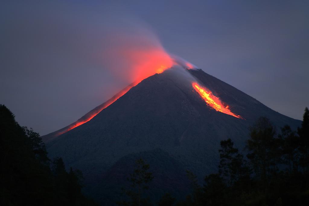 Merapi-Vulkan-Indonesien-1