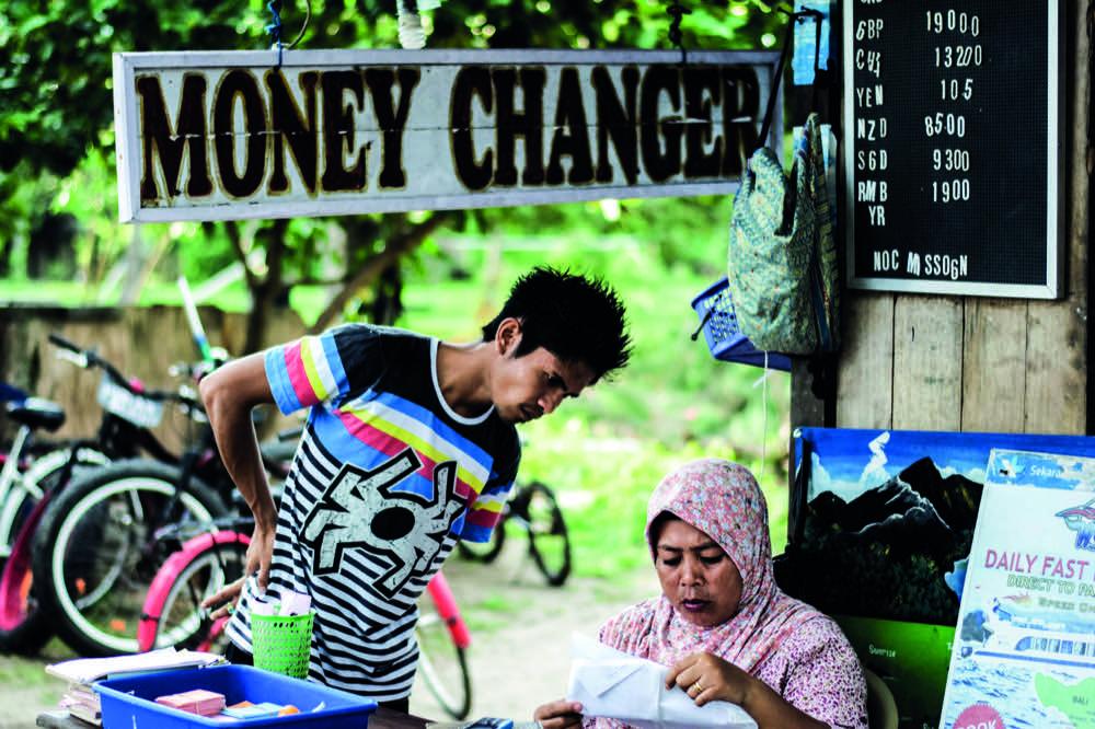 Moneychanger_Kontrast