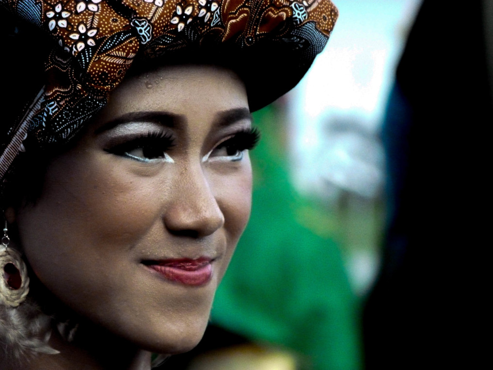 Dayak Frau auf dem Isen Mulang Festival