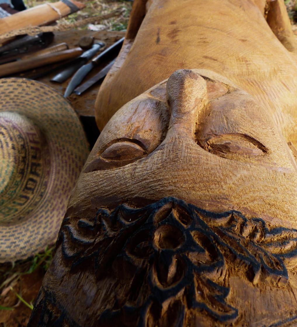 Holzfigur für das Sandung
