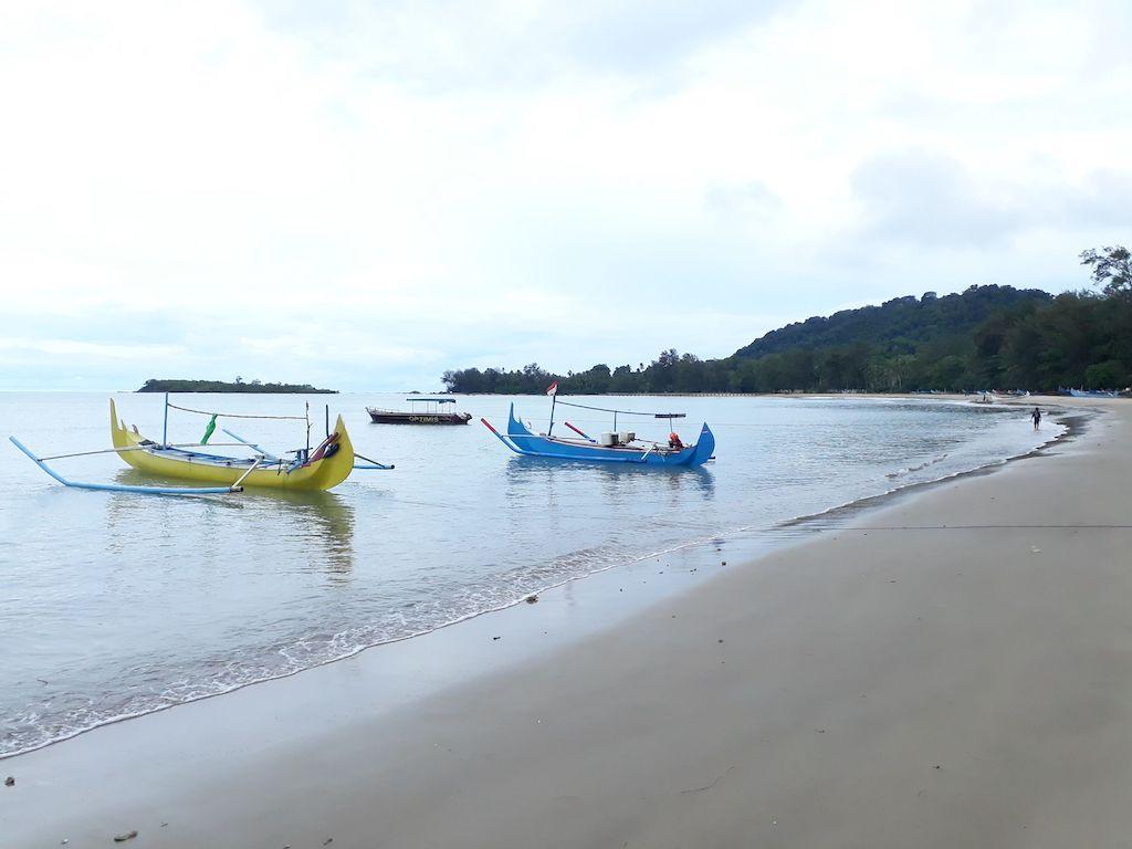 Pantai Burung Mandi Belitung
