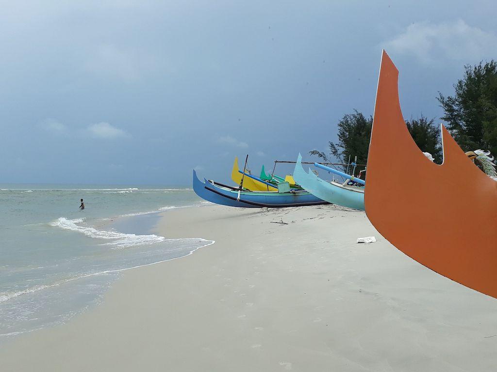 Pantai Nyiur MelambaiBelitung