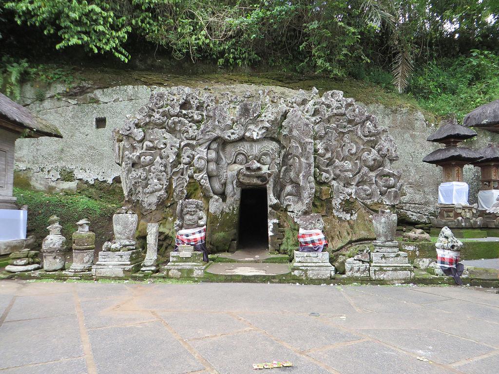 Bali Sehenswürdigkeiten Pintu_Masuk_Goa_Gajah