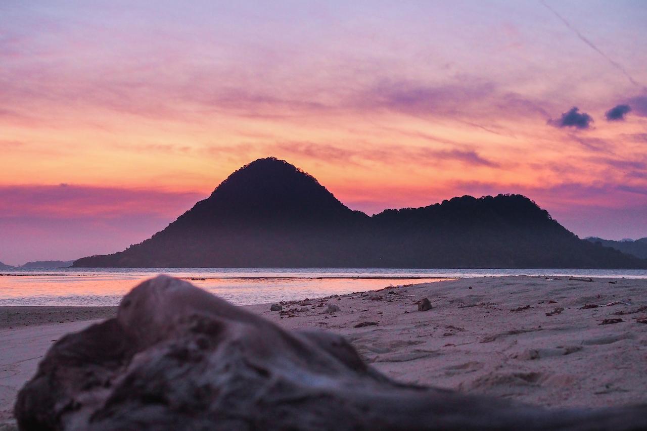 sunset-pulau-bawean