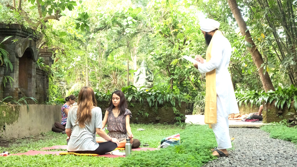 Meditation Teacher Training mit Punnu Wasu