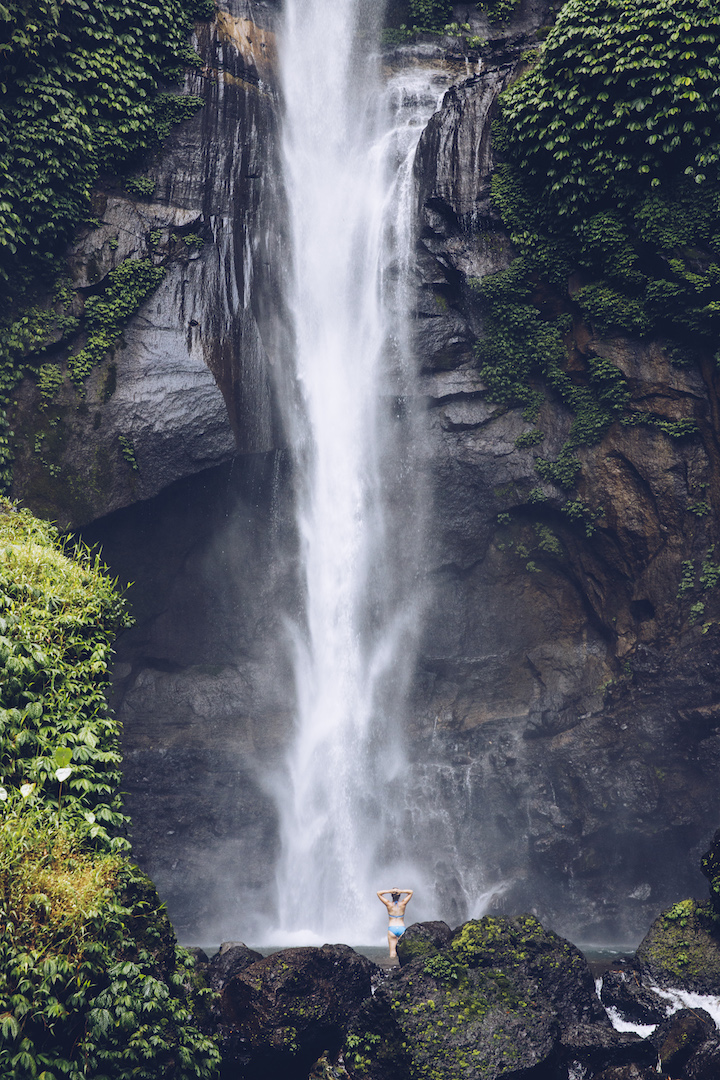 Bali Wasserfaelle Sekumpul Wasserfall