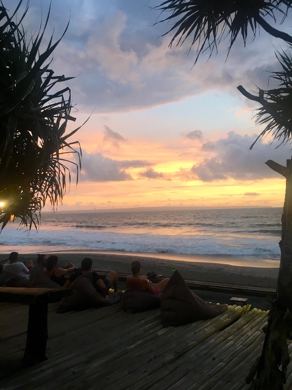 Sunset an abgerissener Sun Paradise Bar