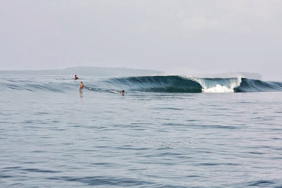 Surfing-Simeulue-Indonesia-1