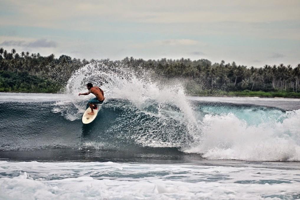 Simeulue Island Indonesia  city images : Simeulue Island: Ein Juwel für Surfer und Büffel indojunkie