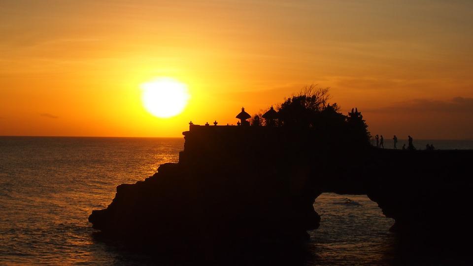 Bali Sehenswürdigkeiten Tanah Lot Tempel