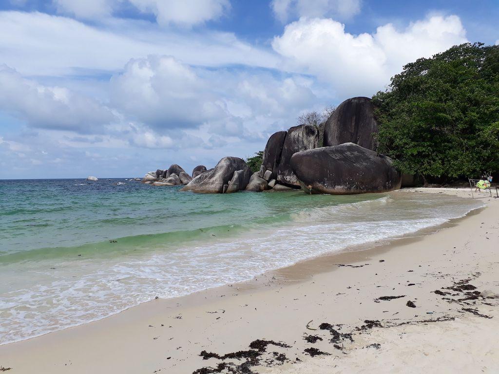 Tanjung-Tinggi-Belitung-2