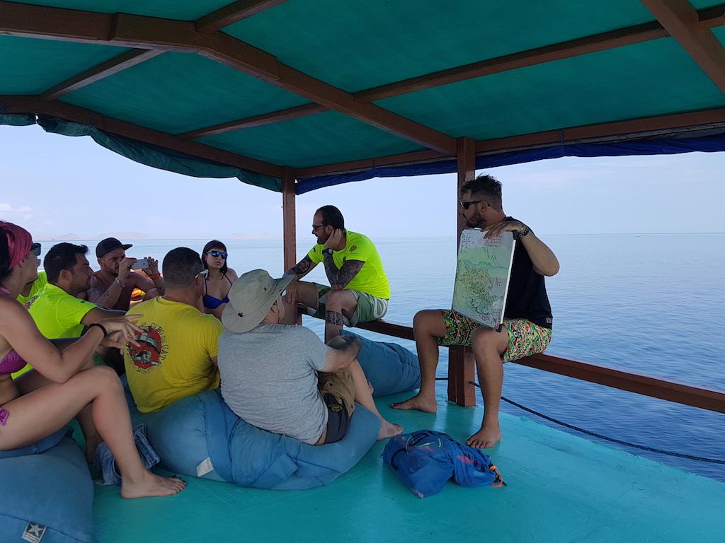 Tauchen-Komodo-Nationalpark-auf-dem-boot