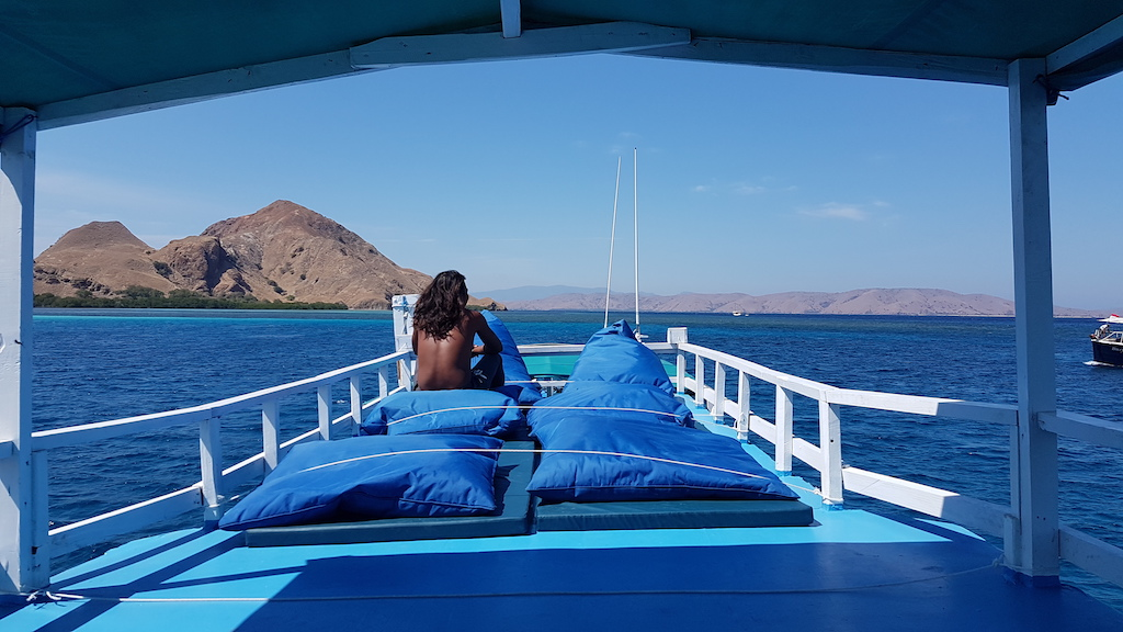 Tauchen-Komodo-Nationalpark-boot-nerendiving